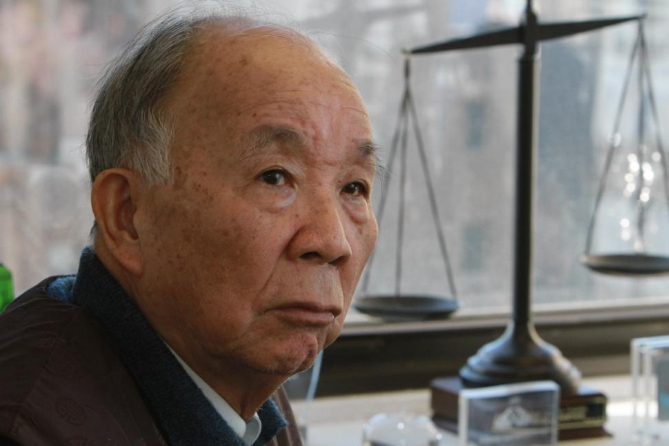 Kang Chung Wong says he has suffered permanent damage following the beating by NYPD officers. (Photo credit: Jesse Ward / NY Daily News)