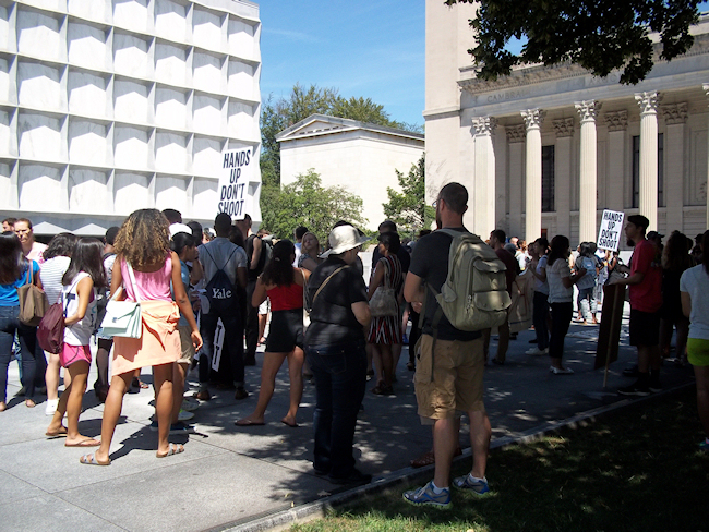 Protesters gather at Yale's Beinecke Plaza. (Photo credit: Reappropriate)