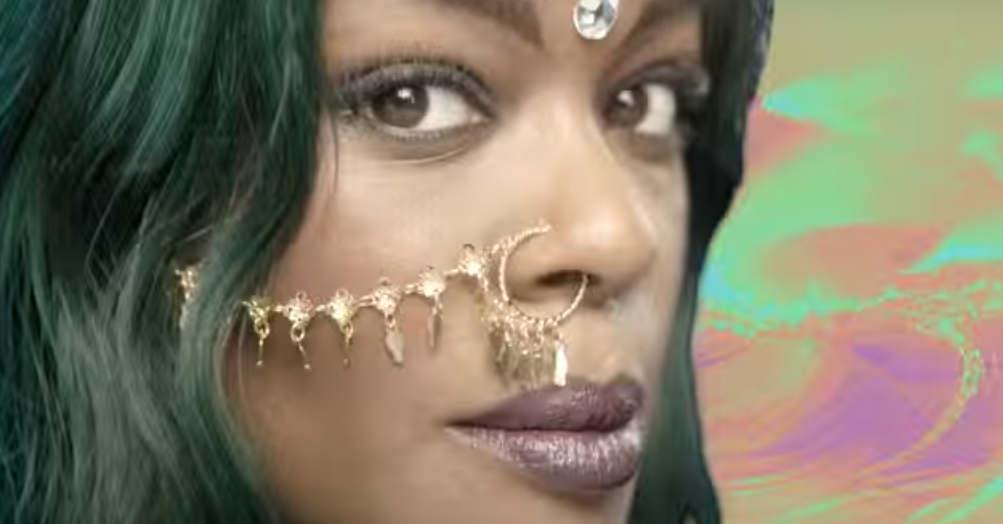 "Azealia Banks in a screen capture from her music video, ""Atlantis"". (Photo credit: YouTube)"