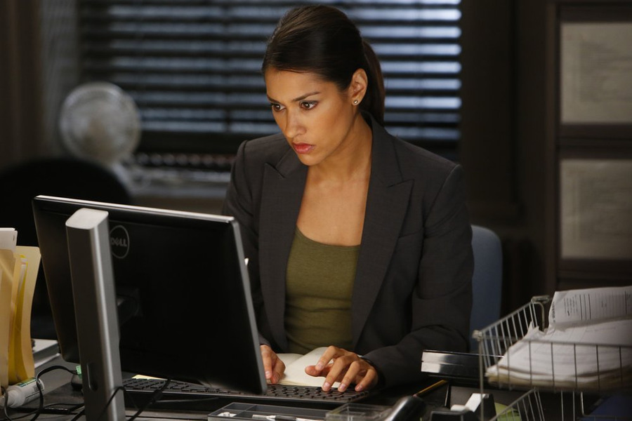 "THE MYSTERIES OF LAURA -- ""The Mystery of the Biker Bar"" Episode 103 -- Pictured: Janina Gavankar as Meredith Rose -- (Photo by: Will Hart/NBC)"
